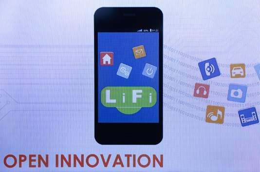 L'application LiFi développée parOledcomm, présentée à Barcelone, en février 2016.