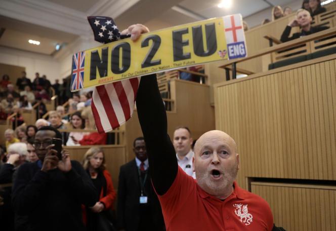 Un militant favorable au Brexit, en marge d'un discours du maire de Londres, Sadiq Khan, le 13 janvier 2018 à Londres.