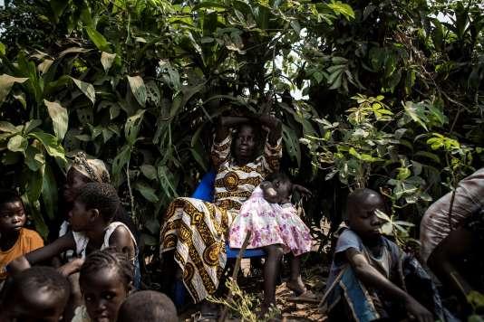 Des déplacés ayant fui les attaques dans la région du Kasai, à Kikwit (RDC), en juin 2017.