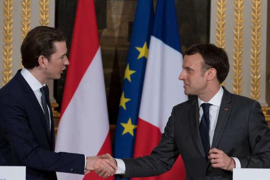 Le chancelier autrichien Sebastian Kurz avec Emmanuel Macron, lors de leur conférence de presse commune au palais de l'Elysée, le 12 janvier.