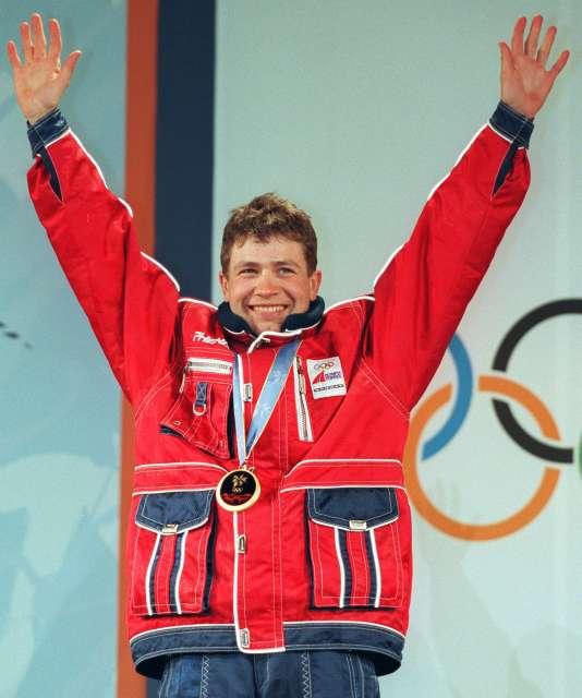 A Nagano, Ole Einar Bjoerndalen remporte son premier titre olympique, dans le sprint, devant son compatriote Frode Andresen.