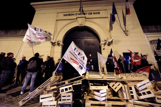 Le 15 janvier, 139 des 188centres pénitentiaires de France ont été touchés « à des degrés divers » par le mouvement de prortestation.