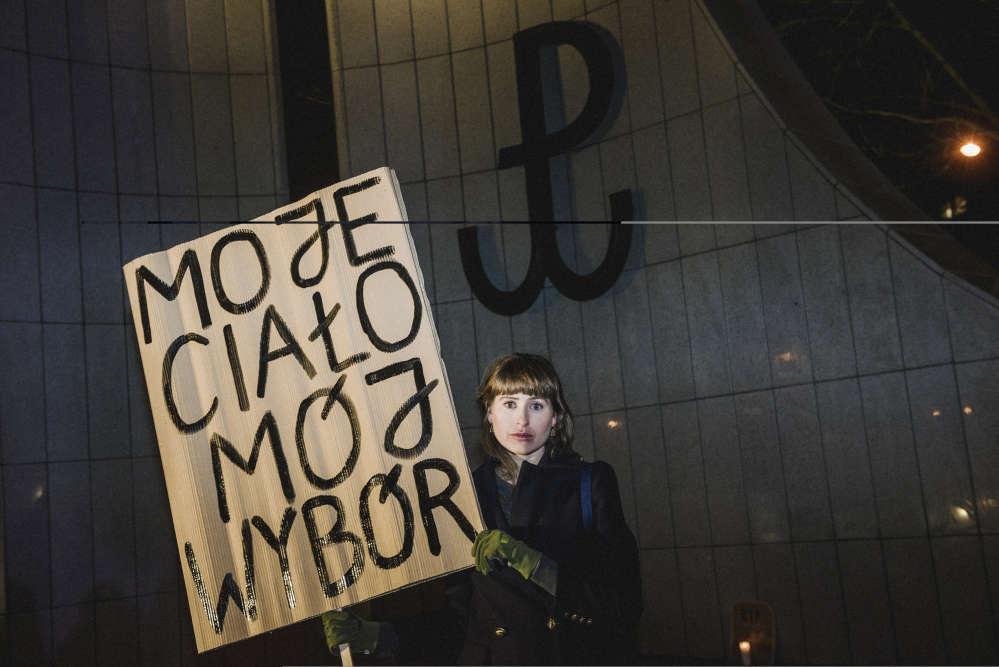 Joanna, 35 ans, artiste : « J'avais organisé la première manifestation il y a quinze ans et nous pensions alors que la situation changerait rapidement. Quelle ironie que de manifester de nouveau avec les mêmes slogans et combattre pour des droits essentiels !»