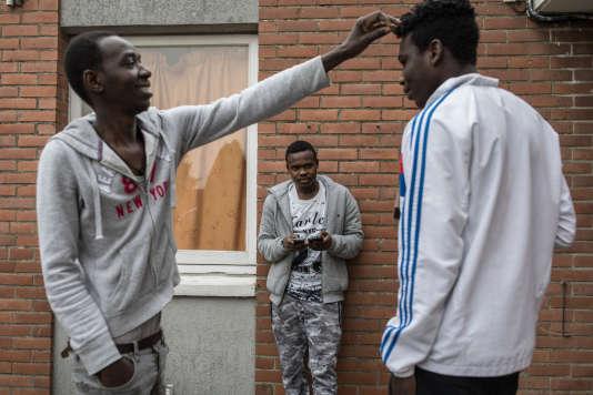 Le CAES de Croisilles, près d'Arras, accueille une soixantaine de migrants, pour une capacité de 70 places.