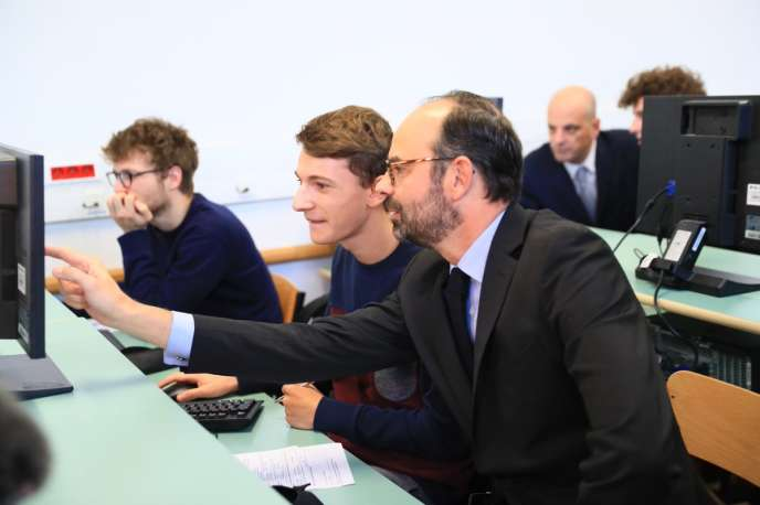 Le premier ministre, Edouard Philippe, au lycée Buffon, lundi15 janvier, pour l'ouverture de la plate-forme Parcoursup.
