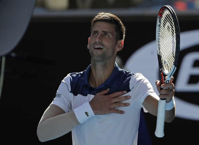 De retour après six mois loin des courts, Novak Djokovic a facilement battu Donald Young.