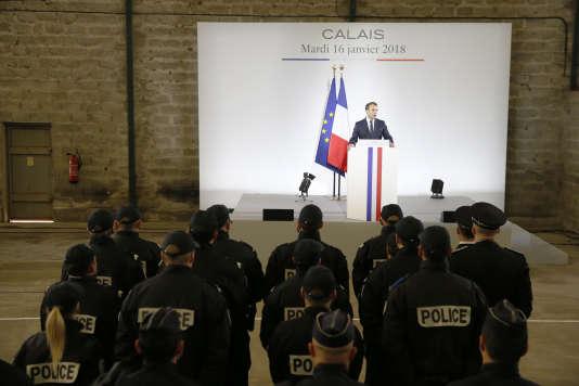 Le chef de l'Etat, Emmanuel Macron, durant son discours à la gendarmerie de Calais, le 16 janvier.