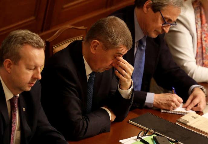 Le premier ministre tchèque, Andrej Babis, assistait mardi 16 janvier à la session parlementaire durant laquelle les députés devaient voter ou non la confiance au gouvernement qu'il dirige.