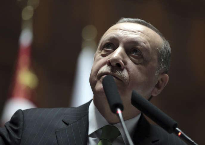 Le président turc, Recep Tayyip Erdogan, le 16 janvier 2018 au Parlement, à Ankara.