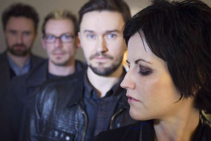 Le groupe de rock The Cranberries, à Paris, le 18 janvier 2012.