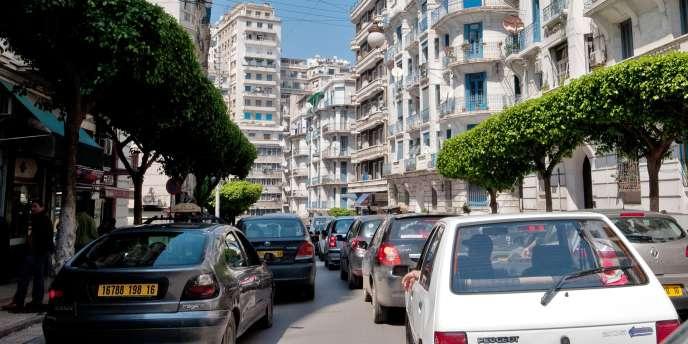 Entre septembre 2017 et janvier 2018,plus de 5000chauffeurs potentiels ont téléchargé l'application Yassir à Alger.