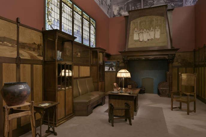 «Period room» ou reconstitution du bureau-fumoir de Charles Spindler en boiseries Art Nouveau. Achat à l'artiste en 1908.