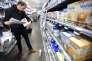 Inspection de la direction générale de la concurrence, de la consommation et de la répression des fraudes, à Orléans, dans une pharmacie.