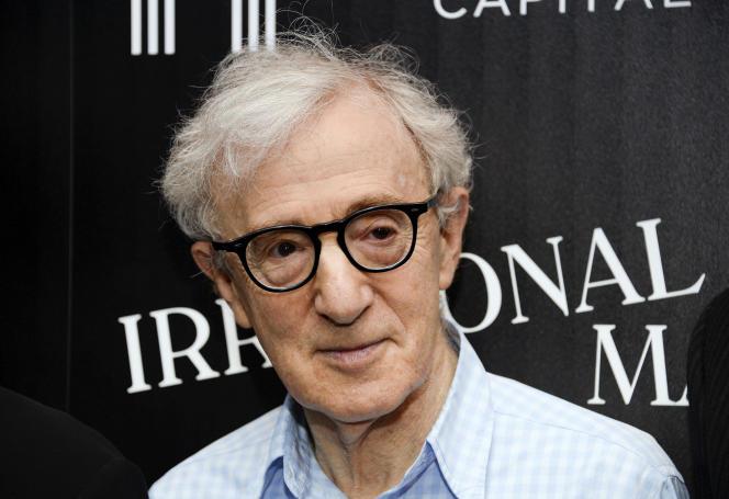 Woody Allen est accusé d'avoir agressé sexuellement sa fille adoptive Dylan Farrow le 4août 1992 dans une maison de campagne, dans le Connecticut.