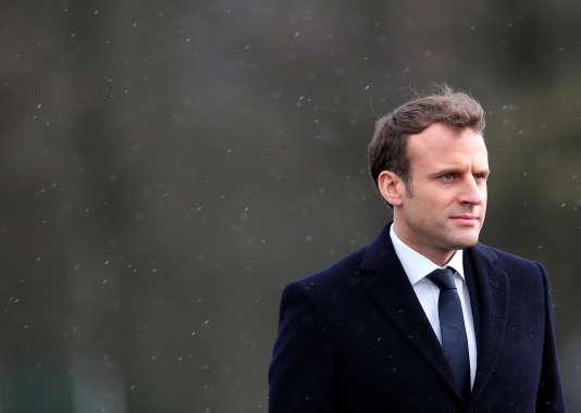 Au cours du colloque, Emmanuel Macron a tour à tour été comparé à un Bayrou qui aurait bien tourné et à un Giscard avançant avec sa petite structure face à l'UDR.