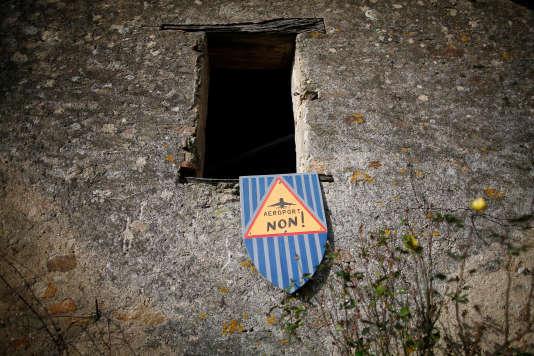 Affiche dans la« ZAD» de Notre-Dame-des-Landes, le 16 janvier.