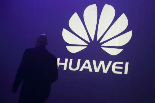 Huawei s'est de son côté défendue, expliquant que ses produits n'étaient pas plus vulnérables que d'autres.