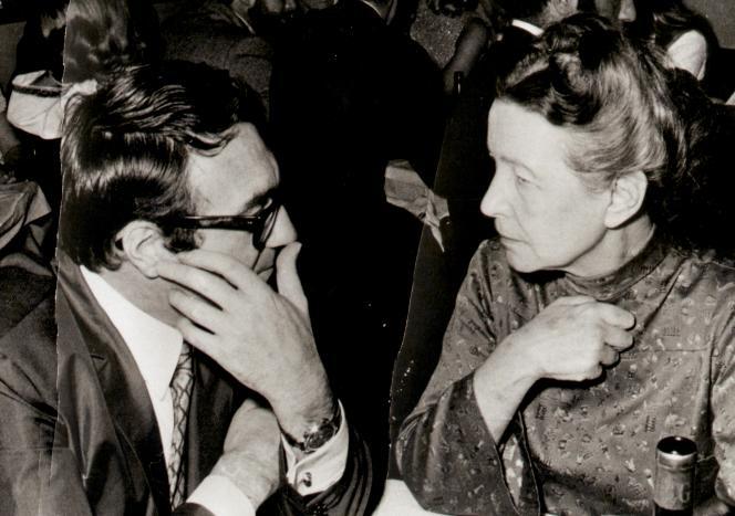 Claude Lanzmann et Simone de Beauvoir, à Paris, vers 1975.