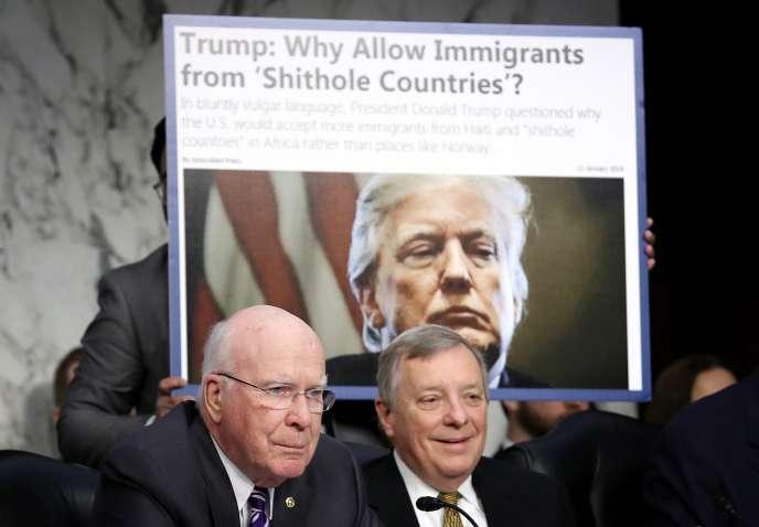 Les sénateurs Patrick Leahy et Richard Durbin, lors de l'audition de la secrétaire d'Etat à la sécurité intérieure, à Washington, mardi 16 janvier.