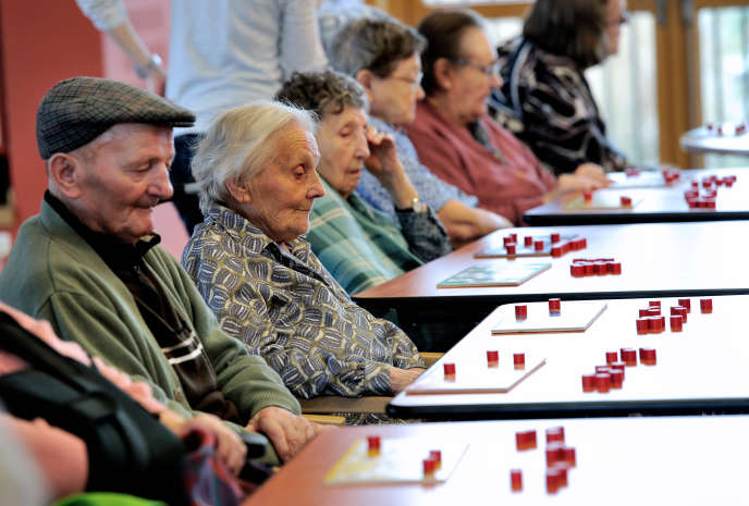Le 30 janvier, le personnel des maisons de retraite estappeléà une grève nationale pour dénoncer « l'insuffisance des effectifs et des moyens ». Ici, à Lens, en 2013.