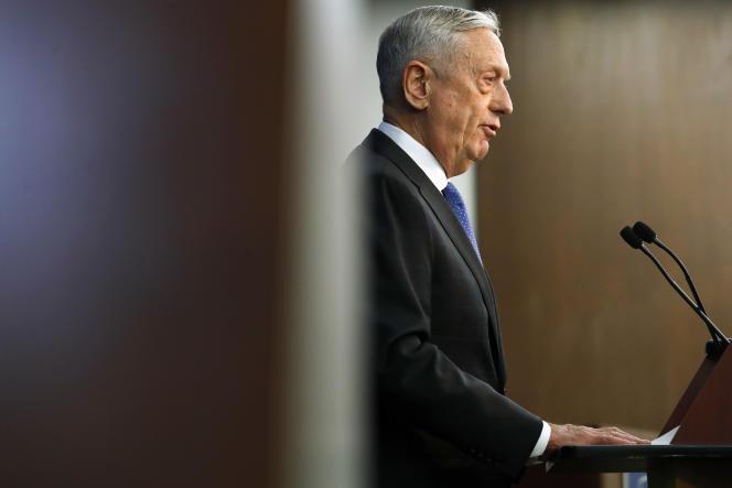 « Nous faisons face à des menaces grandissantes de puissances révisionnistes aussi différentes que la Chine et la Russie, des nations qui cherchent à façonner un monde compatible avec leur modèle autoritaire », a déclaré le secrétaire à la défense, James Mattis