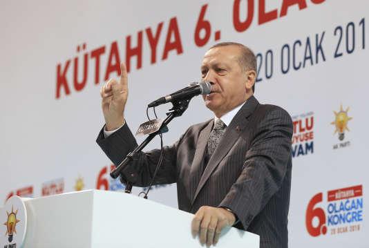 Le président turc Recep Tayyip Erdogan s'adresse à ses partisans à Kütahya, dans l'ouest de la Turquie, samedi 20 janvier.