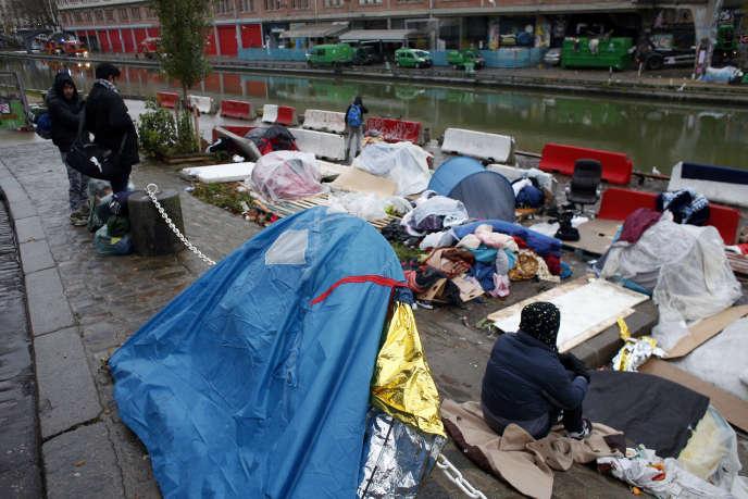 Campement de migrants à Paris, le 21 décembre 2017.