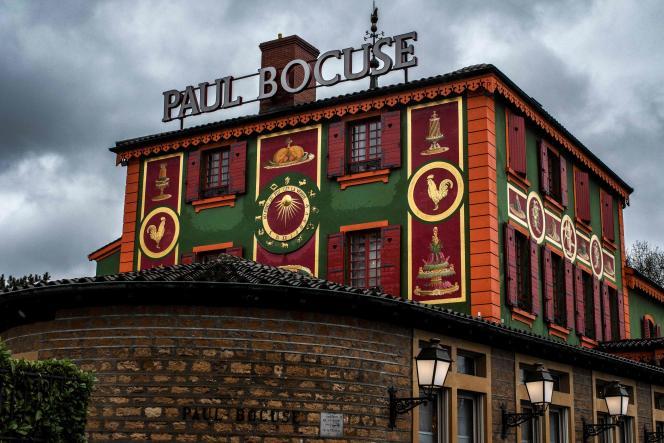 Le restaurant L'auberge du Pont de Collonges, au Mont-d'Or.