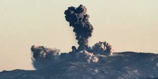 Nuages de fumée après un bombardement de l'armée turque sur les position des YPG, en Syrie, le 20 janvier.