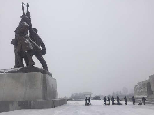 Face aux ambitions nucléaires nord-coréennes, principal défi international aux yeux de Washington, la stratégie américaine consiste à convaincre le monde de pousser Pyongyang au dialogue par des sanctions draconiennes.
