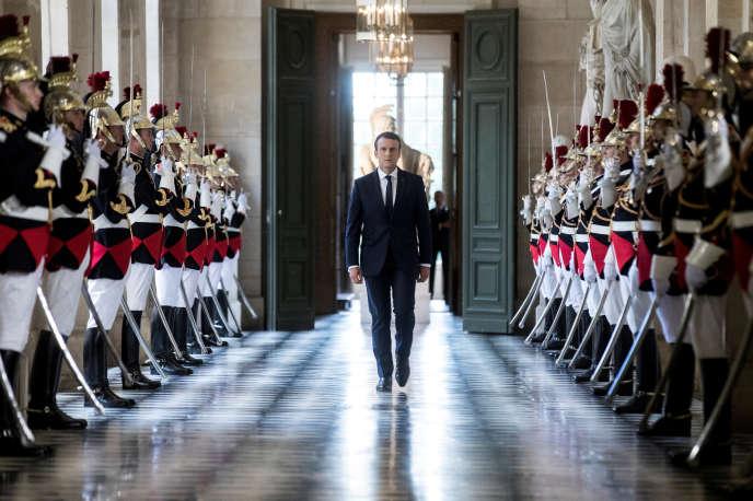Emmanuel Macron dans la galerie des Bustes, au château de Versailles, le 3 juillet 2017.