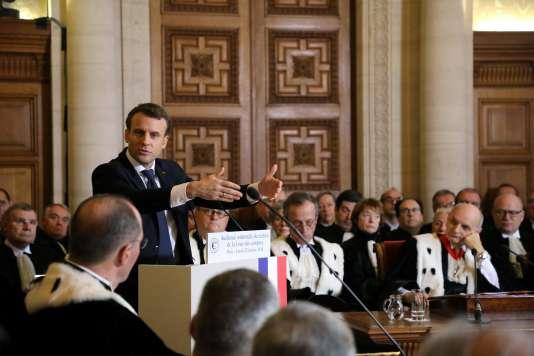 Emmanuel Macron devant la Cour des comptes le 22 janvier.