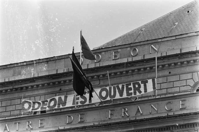 Occupation du théâtre de l'Odéon, à Paris, en 1968.
