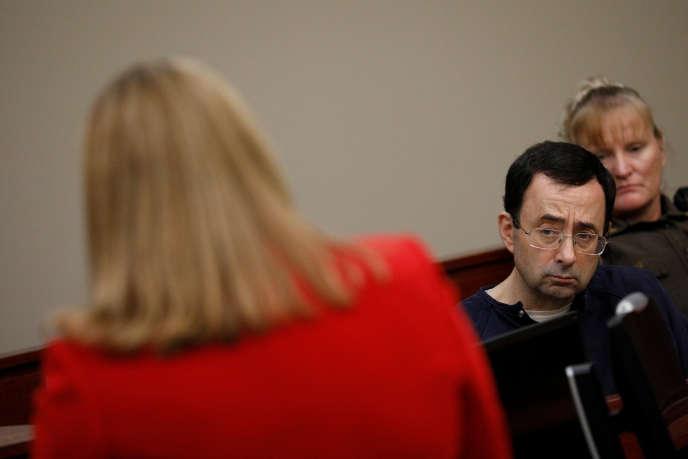 L'ancien médecin-ostéopathe des gymnastes américaines, Larry Nassar, au tribunal de Lansing, la capitale de l'Etat du Michigan, le 22 janvier.