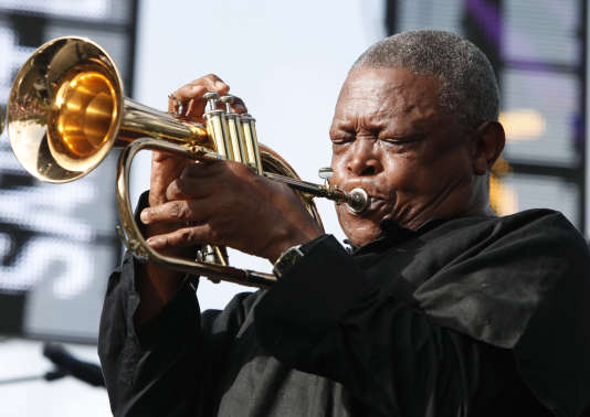 Hugh Masekela lors du 21e Festival de jazz de Sainte-Lucie, en 2012.