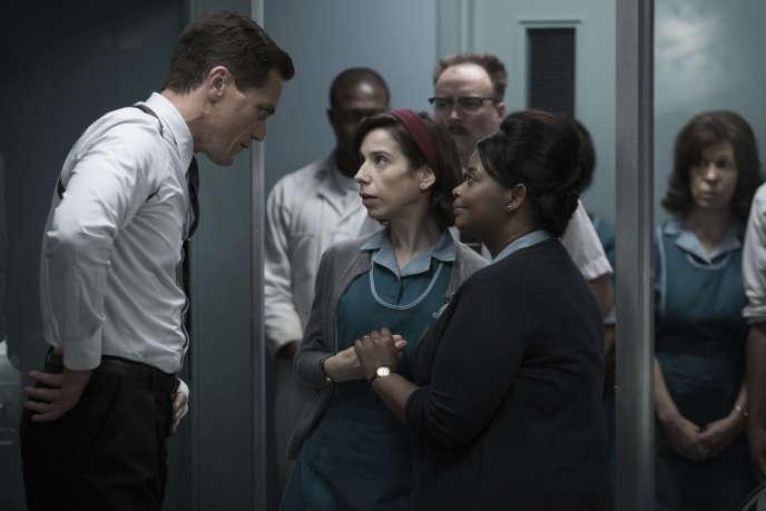 Michael Shannon, Sally Hawkins (au centre) et Octavia Spencerdans « La Forme de l'eau » (« The Shape of Water »), de Guillermo del Toro.