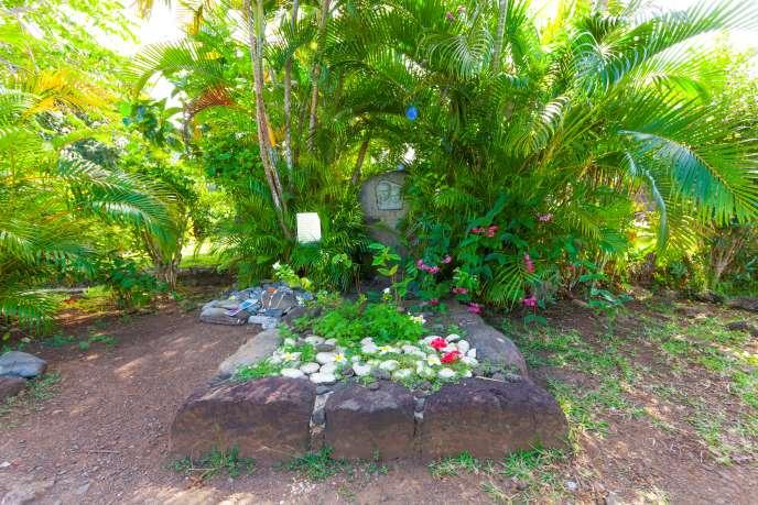 La tombe de Jacques Brel dans le cimetière marin d'Atuona, sur Hiva Oa.
