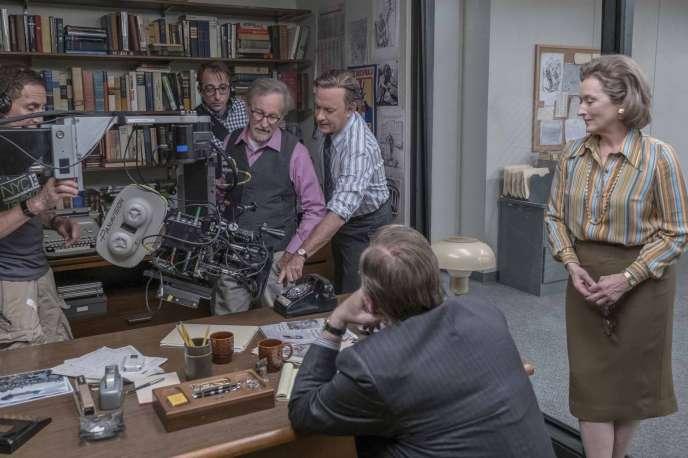 Steven Spielberg avec Tom Hanks et Meryl Streep sur le tournage de son film«Pentagon Papers».