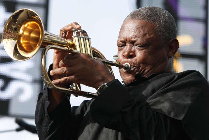 Hugh Masekela lors du 21eFestival de jazz de Sainte-Lucie, le 13 mai 2012.