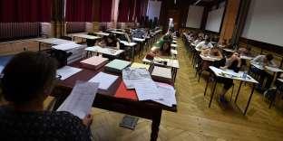 Des lycéens passent l'examen de philosophie du baccalauréatau lycée Fustel-de-Coulanges à Strasbourg, le 15juin 2017.