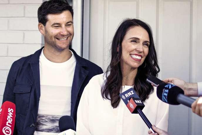 La première ministre néo-zélandaise Jacinda Ardern et son compagnon Clarke Gayford.