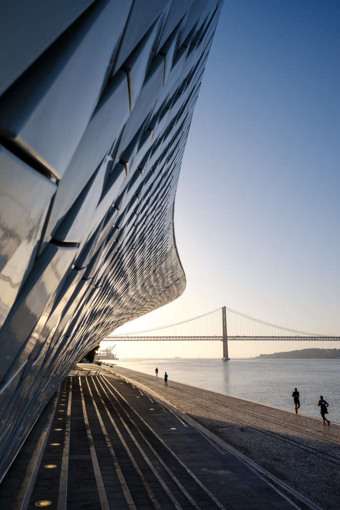 Le Musée de l'art, de l'architecture et de la technologie (MAAT) à Belem, a été inauguré en octobre 2016.