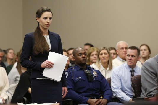 Rachael Denhollander, l'une des athlètes agressées, le 24 janvier au tribunal de Lansing.