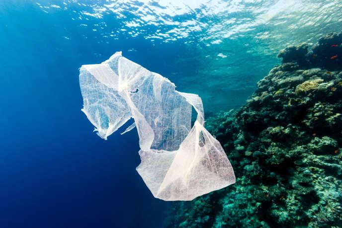 Mensonges, objectifs chiffrés qu'ils ne se soucient en rien d'atteindre, habile lobbying… «Cash Investigation» montre que les plus gros producteurs de plastique, qui se targuent d'être vertueux et présentent le recyclage comme la panacée, brassent en réalité beaucoup d'air.