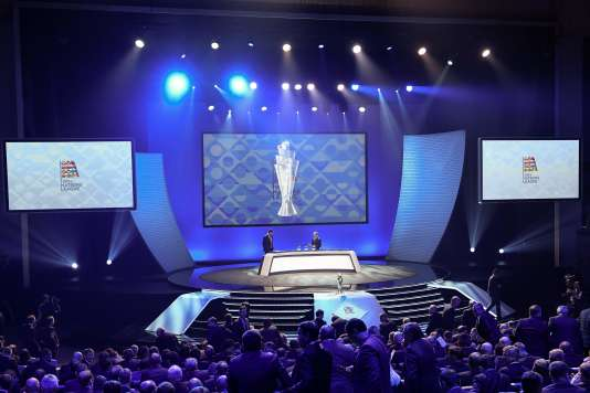 L'ancien joueur Deco a procédé mercredi24janvier au tirage au sort des groupes de la Ligue A de la nouvelle Ligue des nations.