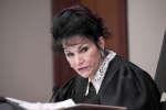 Parce qu'elle a sû créer un espace au sein duquel chacune des plaignantes a pu s'exprimer au cours du procès de Larry Nassar, la juge Rosemarie Aquilina a été particulièrement saluée.