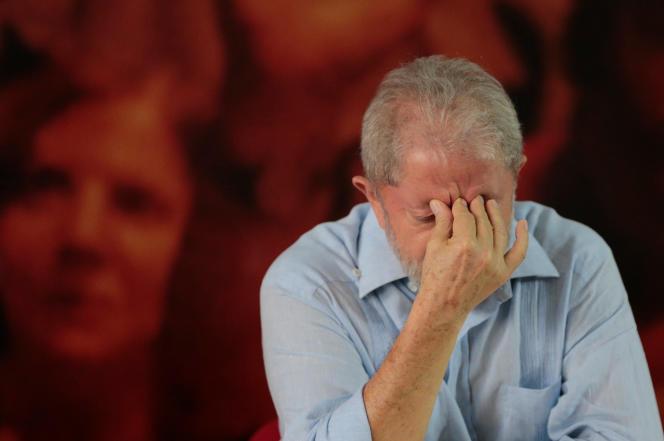 L'ancien président brésilien, Lula, lors d'un meeting du Parti des travailleurs, à Sao Paulo, le 25 janvier.