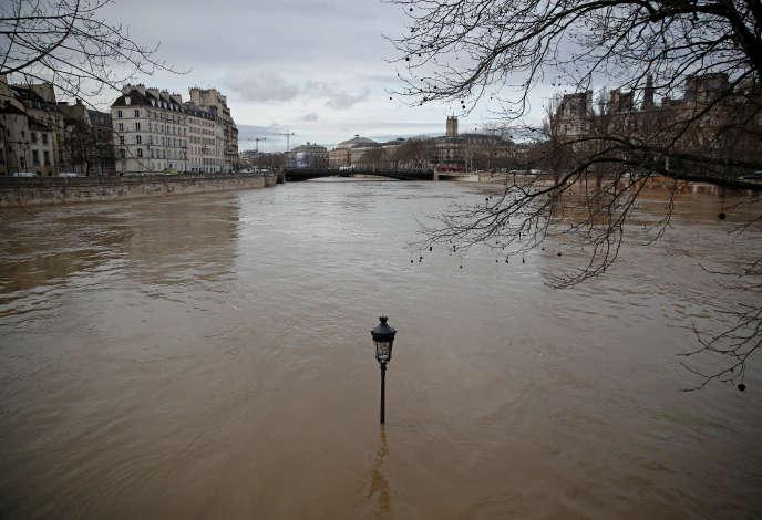 La Seine à Paris, le 24 janvier.