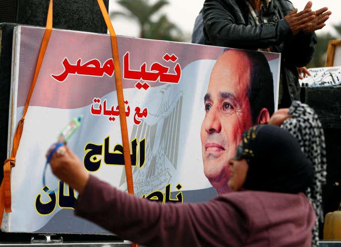Potrait du président-maréchal égyptien Al-Sissi, le 25 janvier 2018, au Caire.