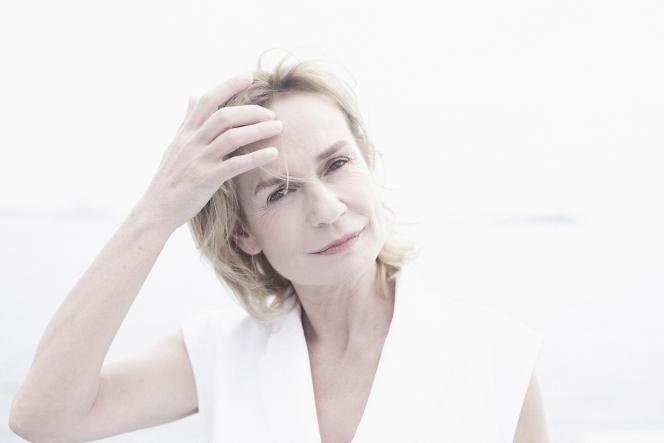 Sandrine Bonnaire, le 18 mai 2017 à Cannes (Alpes-Maritimes).